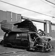(andre dos santos) Tags: new york city nyc newyorkcity newyork 120 6x6 tlr film car rollei rolleiflex zeiss square lens point reflex bronx twin s retro negative 80s squareformat medium format thebronx total wreck 80 35e planar 75mm hunts retro80s huntspoint rolleiretro80s