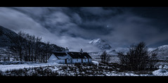 Black Rock Cottage (wilsonaxpe) Tags: nightscape nocturnal glencoe blackrockcottage wilsonaxpe