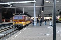 NMBS 1182 laatste dag Beneluxtrein - Rotterdam Centraal (Corné-ZW1993) Tags: train rotterdam december 8 2012 centraal 118 benelux laatste nmbs 1182 beneluxtrein hle