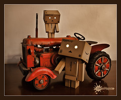 Red Tractor (GManVespa) Tags: red tractor cute canon table toy jump top farm wheels danbo flickraward danboard