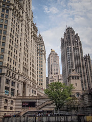 Mike Maney_Chicago Finale-159.jpg (Maney|Digital) Tags: architecture chicago city friends skyline streetphotography