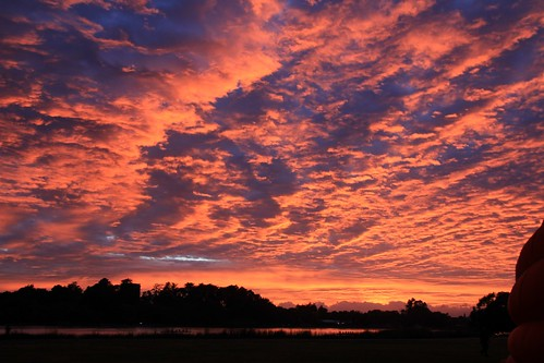 """Clouds of Fire - near Hamilton • <a style=""""font-size:0.8em;"""" href=""""http://www.flickr.com/photos/65969414@N08/28587843385/"""" target=""""_blank"""">View on Flickr</a>"""