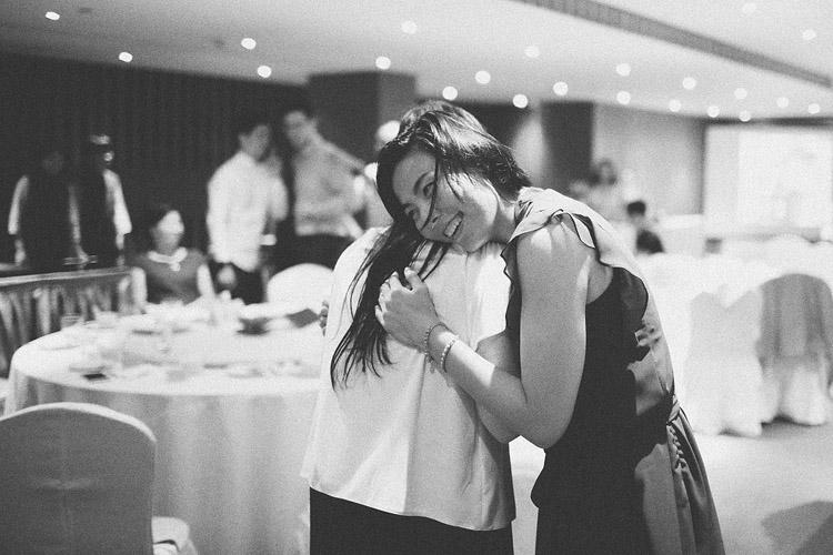 婚禮攝影-擁抱