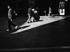 Everyday #Adelaide No. 362 (michellerobinson.photography) Tags: michellerobinson michmutters streetphotography streetlife streetphoto blackwhite blackwhitephotography bw lightandshadows light shadows angles iphone6plus editedonipadair snapseed procameraapp people everydayeverywhere adelaide southaustralia australia everydayaustralia citylife cityliving urban urbanliving monochrome