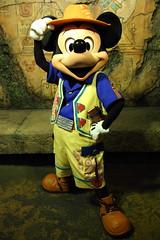 Mickey Mouse (sidonald) Tags: tokyo disney tokyodisneysea tds tokyodisneyresort tdr greeting    mickeymouse mickey