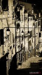 Vintage (Carlo de Lauro) Tags: finestre vintage via strada lampioni