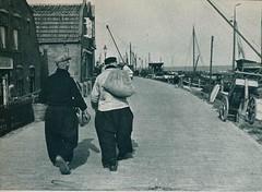 come and see  amsterdam volendam marken j 50, Volendam aan de dijk (janwillemsen) Tags: volendam folder 1950ies folklore