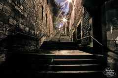 Edinburgh Alley (Paki Nuttah) Tags: life street old city light building night dark scotland town alley edinburgh europe steps royal mile showdows spiritofphotography