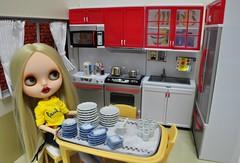 OPHELIA na cozinha (MUSSE2009) Tags: toys doll blythe custom cozinha dollhouse ophelia lindona bl casadeboneca