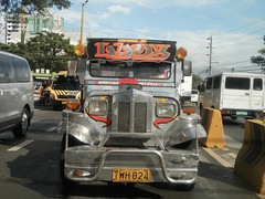 Single Lady - (Marikina-Antipolo) (gendaiwakawa) Tags: philippines jeepney marikinacity marcoshighway sumulong eggtype singlelady antipolocityrizal gendaiwakawa december312012 january12013 imusjeepandjeepneyassemblecorporationijjac hayagmotors november152012