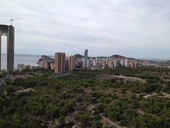Fabulosas vistas a toda la Bahia de Benidorm, Calpe, Alicante y montaña. Solicite más información a su inmobiliaria de confianza en Benidorm  www.inmobiliariabenidorm.com
