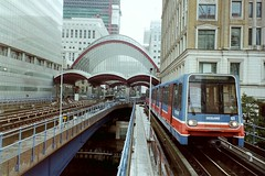 Canary Wharf Area 2002 (Tim Brown 59) Tags: 2002 london docklands dlr
