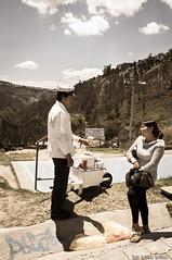 Is it love at first sight? (Roberto Scriboni Photography) Tags: love quito ecuador nikon amor icecream gelato amore helado 18105 d90