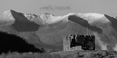 Dundonald Castle and Arran - first snow of the winter (velton) Tags: uk winter snow castle scotland united scottish kingdom historic arran ayrshire dundonald