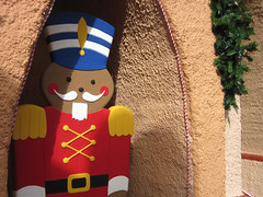 Gingerbread Guard (meeko_) Tags: africa christmas gardens tampa soldier cookie florida guard gingerbread timbuktu themepark buschgardens busch buschgardenstampa buschgardensafrica buschgardenstampabay