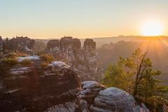 Sonnenaufgang schsische Schweiz (n_held_fotografie) Tags: bastei milchstrase milkyway nacht nachtaufnahmen sonnenaufgang sterne schsischeschweiz rathen sachsen deutschland de