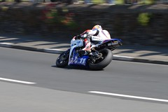 DSC_0097 #11 TT 2011 (breganze981) Tags: isleofman kirkmichael douglasroad corner tt races 2011 road racing race supersport