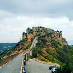 Civita Di Bagnoregio - The Dying City in Italy (dutchmetal) Tags: civitadibagnoregio thedyingcity italy italie historical history travel geschiedenis mountain bergen erosie eroding viterbo