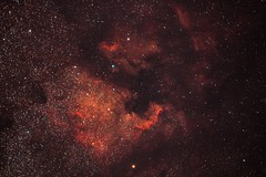 Nordamerika- und Pelikannebel (Dr_Powerlocke) Tags: astro astronomy astronomie astrofotografie space weltall deepsky ngc7000 ic5070 ngc ic nebel nebulae nebula nordamerika pelikan kosmos all astrophotography