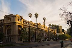 Centro de extensin UC Santiago. (Katherine Ruiz Atal) Tags: street arquitecture