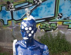 Barry (shazequin) Tags: shazequin mannequin humanform modernart popart humanfigure manequim manequin maniqu maniqui indossatrice manekin figuur  maniki namjetenica manekn etalagepop    skyltdocka groupshot people indoor