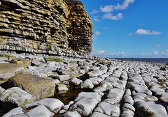 Rhoose Point (Paula J James) Tags: sea cliff beach wales rocks day cliffs vale glamorgan welsh geology valeofglamorgan rhoose rhoosepoint glamorganheritagecoast walescoast walescoastpath welshcoastpath pwparlycloudy