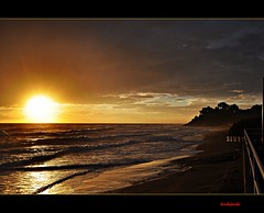 Una giornata di libeccio - A windy day (Jambo Jambo) Tags: sunset sea italy seascape clouds italia tramonto nuvole mare wind tuscany toscana grosseto vento maremma castiglionedellapescaia libeccio nikond5000 jambojambo