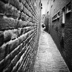 - alley - (Jacqueline ter Haar) Tags: road street bw alley explore tilt steegje almelo skancheli