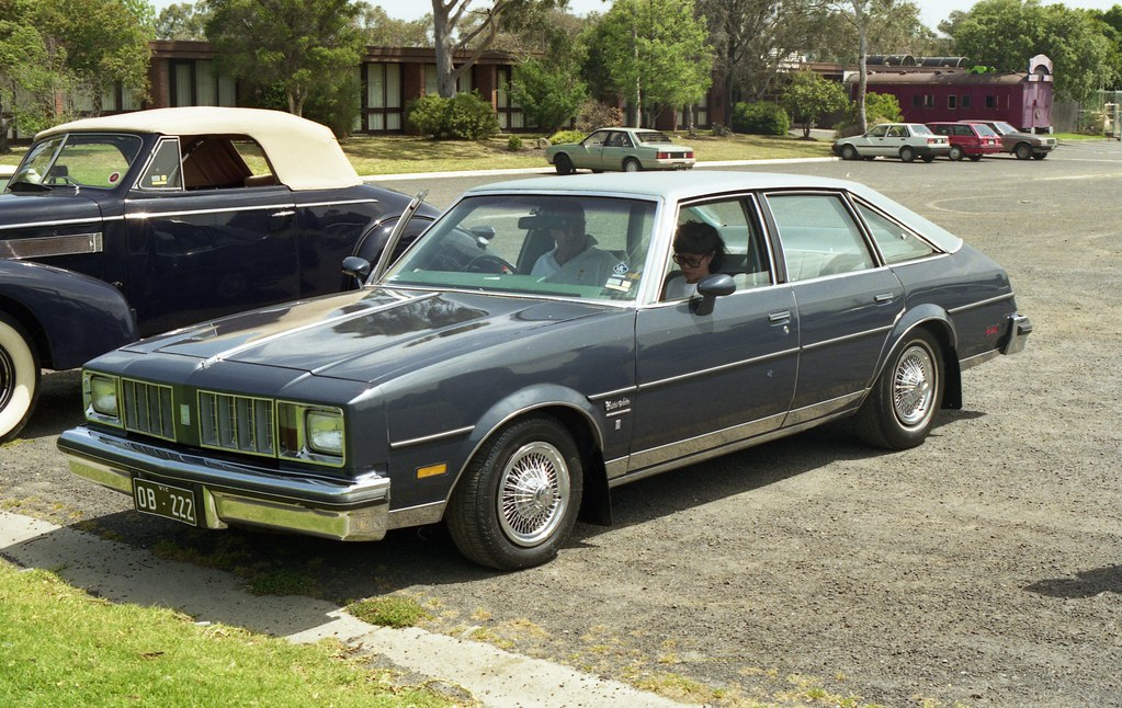 The world 39 s best photos by rohanrussell flickr hive mind for 1979 olds cutlass salon