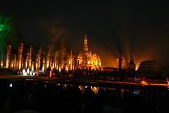 2012-11-24_Thailande-Sukothai-Loy Kathong Festival (111) (gregory varinot) Tags: voyage asia fete asie lumières lanternes sukothai thailande worldtour tourdumonde gregroadtrip loykathongfestival