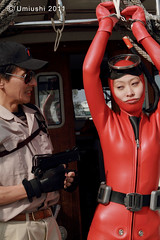 Act3_07B (mixnuts club) Tags: fetish gun scuba bondage rubber spy diver wetsuit frogwoman
