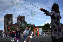 #10 (Pivi ) Tags: soapbubbles performer rdhus harbour oslo norway