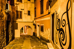 Golden Passage (pietkagab) Tags: izola primorska istria slovenia europe oldtown street night nightshot longexposure pietkagab piotrgaborek photography pentax pentaxk5ii travel trip sightseeing