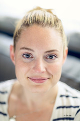 My girl :) (tom.ohle) Tags: steph colour canon1dxmarkii 1dxmarkii 85mm canonef85mmf12liiusm f12 happy portrait portraitcolour headshot