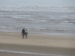 3542 Strolling along the sands (Andy panomaniacanonymous) Tags: 20160818 bbb beach ccc couple kent littlestoneonsea romneysands sand sss strolling togetherness ttt walking www
