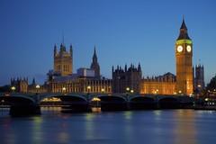 London by Night (chris.ph) Tags: bigben westminsterbridge palaceofwestminster parliament lights london longexposure lyrics architecture thames water clock ef24105mmf4lisusm canon6d
