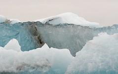 Nog een ijsschots uit het meer. Another floe from the Vatnajokull in Iceland (roelivtil) Tags: iceland floe ijsland ijsschotsen