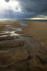 Plage d' Hatainville (Pedropicco) Tags: sea france beach rain clouds pluie jersey normandy plage manche lamer cotentin bassenormandie barnevillecarteret hatainville lesecréhous bahines côtesdesisles
