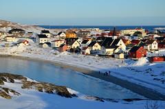 Bugøynes (fede_gen88) Tags: bugøynes northernnorway norge norway sørvaranger finnmark barentssea snow winter cold water sea arctic ocean cottage house cottages houses europe beach day nikon d5100