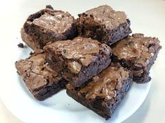 Brownies with cranberries (jani_cka) Tags: food dessert sweet chocolate goods cranberry brownies baked bakedgoods dezert jidlo sladky cokolada zakusek brusinky