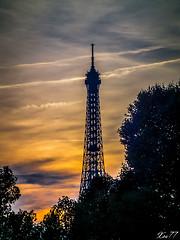 tour_eiffel19 (xbillard) Tags: sunset paris tour eiffel concorde fujifim hs10