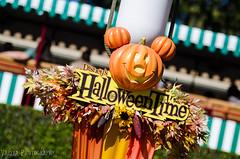 Helloween (DLandDummyShot) Tags: light train pumpkin mouse nikon main disney matterhorn rockets tomorrowland sreet helloween buzzlight d7000 helloweendisneyland