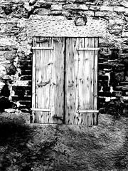 closed (Claudia Merighi) Tags: old house abandoned window casa wooden pb finestra pretoebranco legno svart blek scuri abbandonata bleksvart