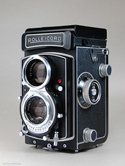 Rolleicord Vb on Display (03) (Hans Kerensky) Tags: 6x6 tlr film display german mf vb rolleicord franke heidecke