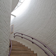 Louisiana Museum X (hansn) Tags: museum architecture modern square denmark louisiana europa europe contemporary modernart architect humlebk danmark arkitektur squarish konstmuseum arkitekt jrgenbo wilhelmwohlert clauswohlert