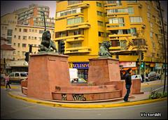 Los Leones en la Comuna de Providencia - Santiago de Chile (Victorddt) Tags: chile photoshop sonycybershot santiagodechile providencia losleones regiónmetropolitana dsch55