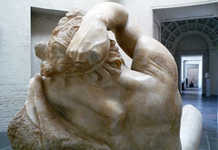 Barberini Faun, shoulder