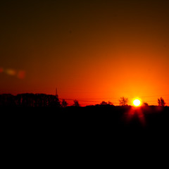 Red Sun (2012-11-26) (baumbaTz) Tags: november red sun rot sunrise canon germany deutschland eos rebel kiss silouette m42 flare sonne 58mm sonnenaufgang wedel manualfocus vignetted stade 44 2012 helios sunflare 442 x3 früh niedersachsen lowersaxony 500d russianlens fredenbeck rebelt1i kissx3 t1i 20121126 frankenmoor