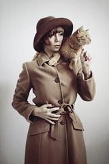 femme avec un chat (mickiky) Tags: winter woman selfportrait me cat myself donna chat hiver autoritratto remotecontrol inverno gatto ritratto autoscatto