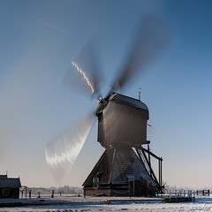 Big Fan (BraCom (Bram)) Tags: longexposure winter snow cold holland mill ice windmill canon square sneeuw nederland thenetherlands unesco spinning kinderdijk alblasserwaard molen worldheritage ijs windmolen koud zuidholland vierkant canoneos5d langesluitertijd canonef24105mmf4lisusm werelderfgoed nd110 draaiend deblokker 110nd blokweersemolen bracom mygearandme mygearandmepremium mygearandmebronze mygearandmesilver mygearandmegold mygearandmeplatinum mygearandmediamond blinkagain bw110endgrey kurtpeiserexcellence bramvanbroekhoven